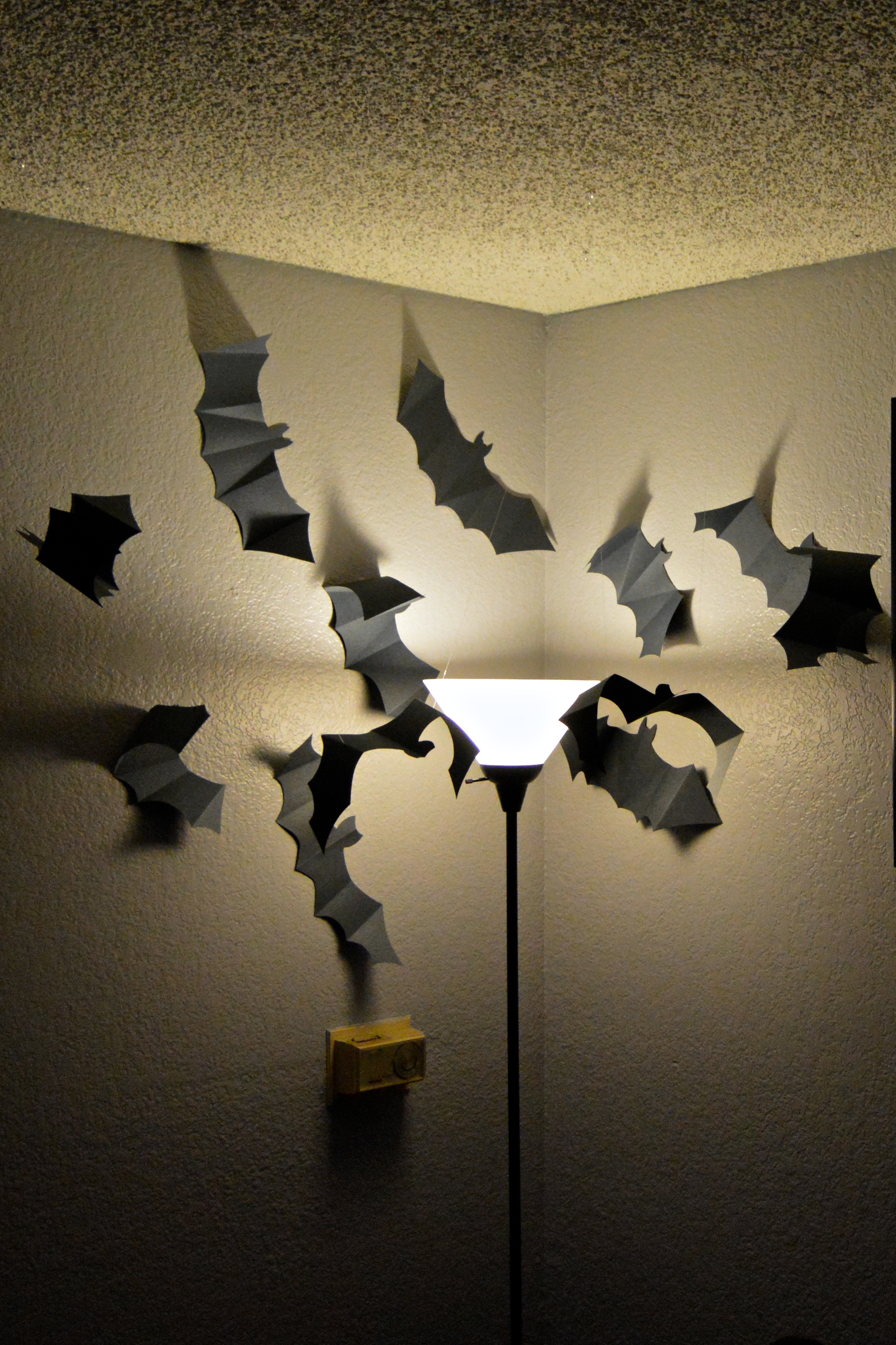 behind on halloween decorations this year so this weekend i upped my game to get ready for our halloween party this friday first up i made this paper